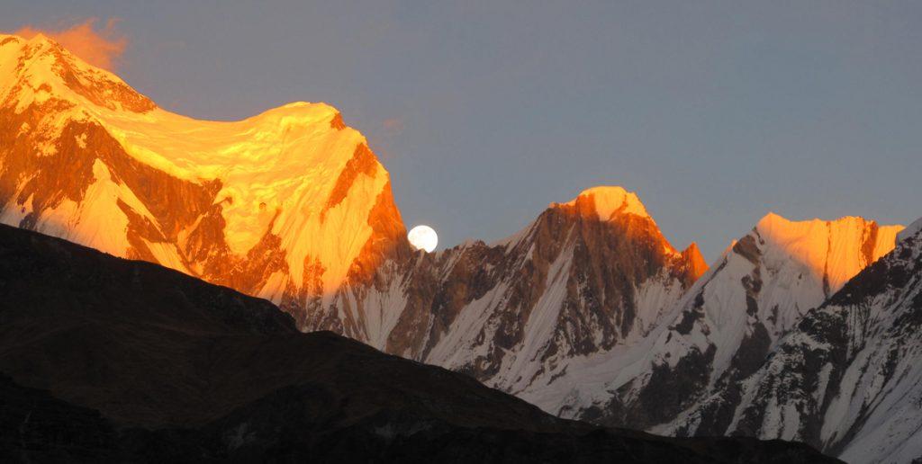 Annapurna vs Everest