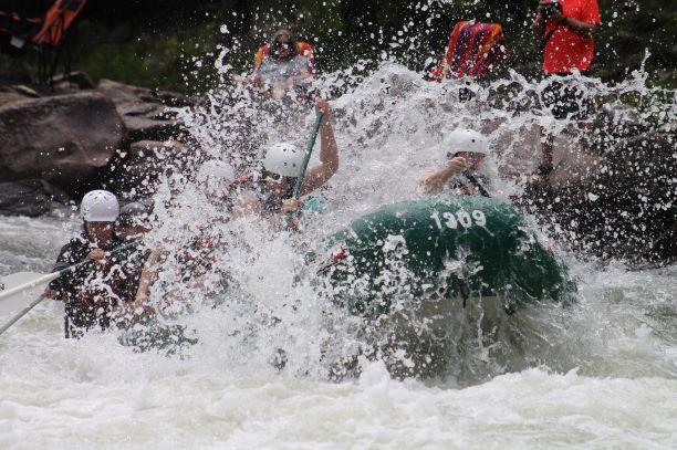 Nepal rafting